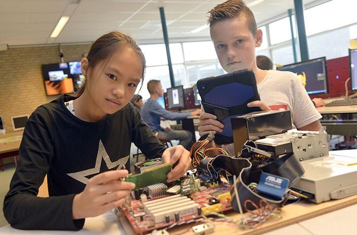 Hondsrug College en NHL Stenden Hogeschool starten ICT Lyceum