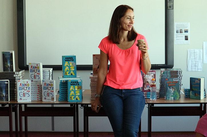 Gouden Griffel winnares Anna Woltz enthousiast over bezoek Hondsrug College