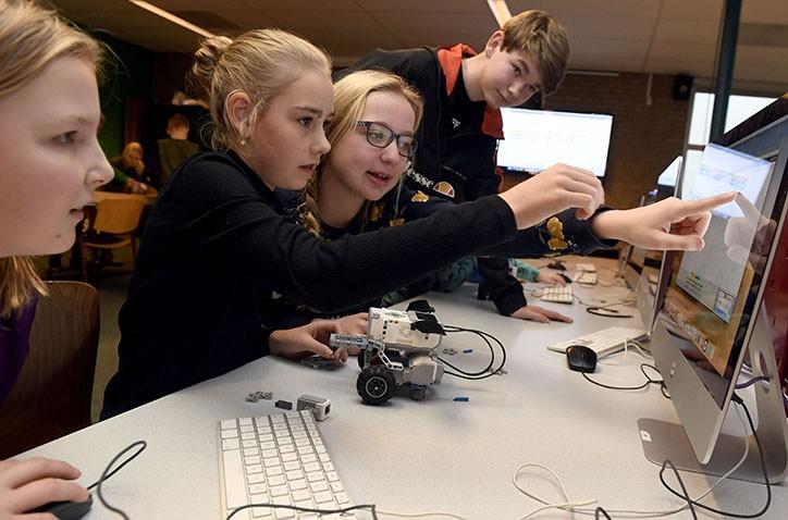Emmer scholieren massaal naar Hondsrug College voor technologielessen